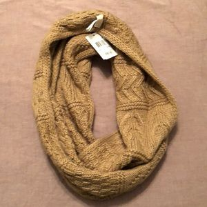 NEVER WORN, Michael Kors knit infinity scarf